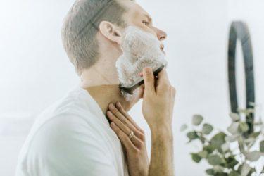 髭剃りのやり方次第で青髭がなくなる!?蒸しタオルが重要なポイント!